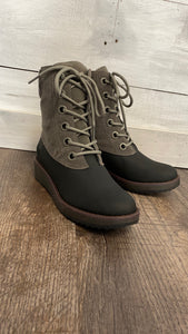 Blowfish grey duck boots
