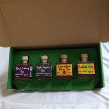 Load image into Gallery viewer, Square Street Gin Gift Box