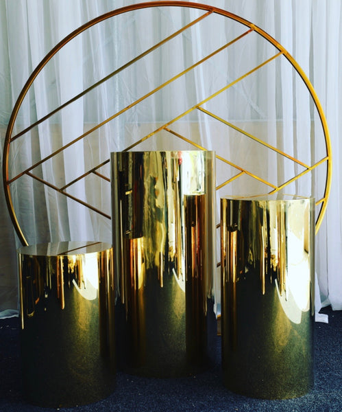 Gold Round Plinths Set