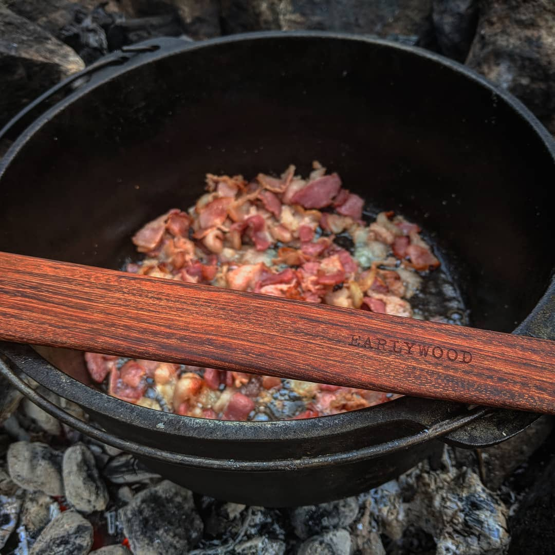 Earlywood spatula for cooking in camping