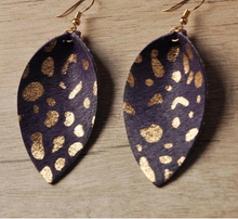 Load image into Gallery viewer, Genuine Leather Gold Detail Petal Earrings