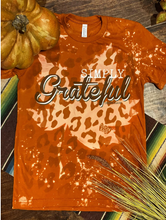 Load image into Gallery viewer, Simply Grateful Graphic Tee