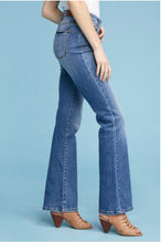 Load image into Gallery viewer, Judy Blue Mid Rise Medium Wash Bootcut