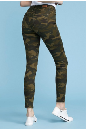 Judy Blue Camouflage Distressed Skinny Jean