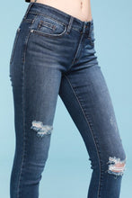 Load image into Gallery viewer, Judy Blue Shark Bite Hem Ankle Jeans