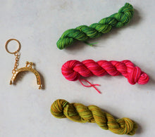 Load image into Gallery viewer, Crochet mini purse keyring kit