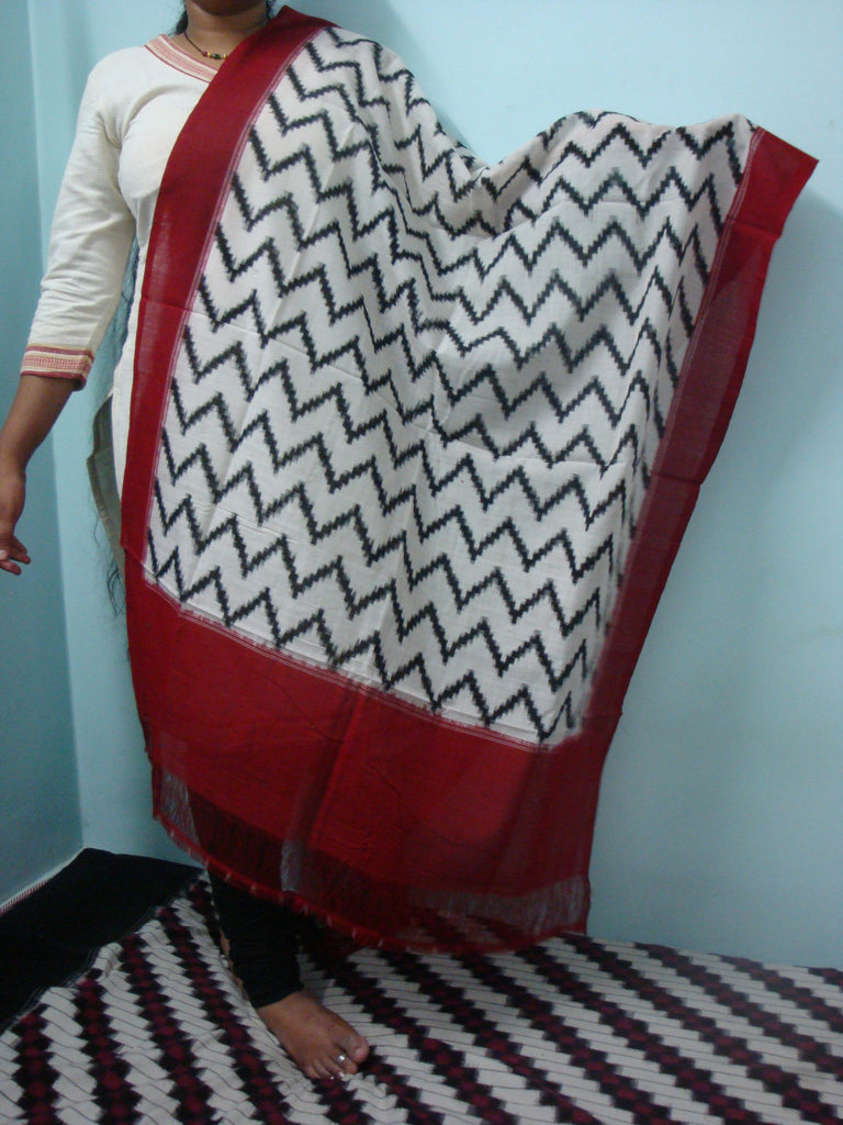 Pochampally Ikkat Cotton Dupatta - IP_DU_016