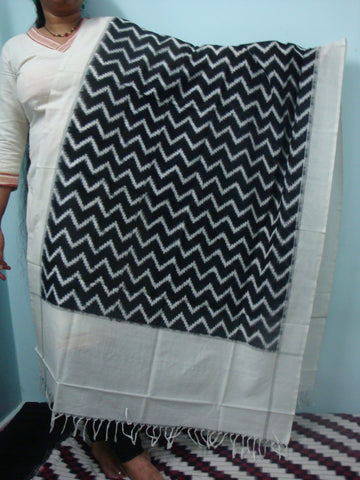 Black and White Waves Ikkat Dupatta - IP_DU_002