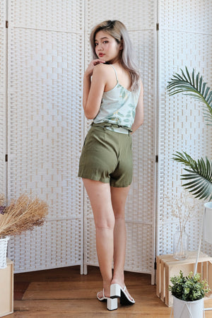 Lorena Linen Shorts in Olive
