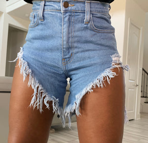 THIGHS OUT DENIM SHORTS