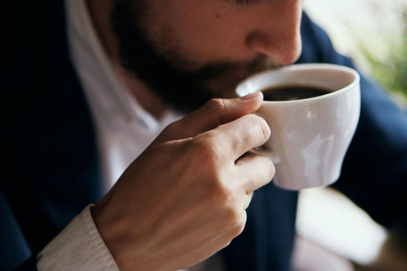 Drinking coffee in the evening can cause sleeping problems.