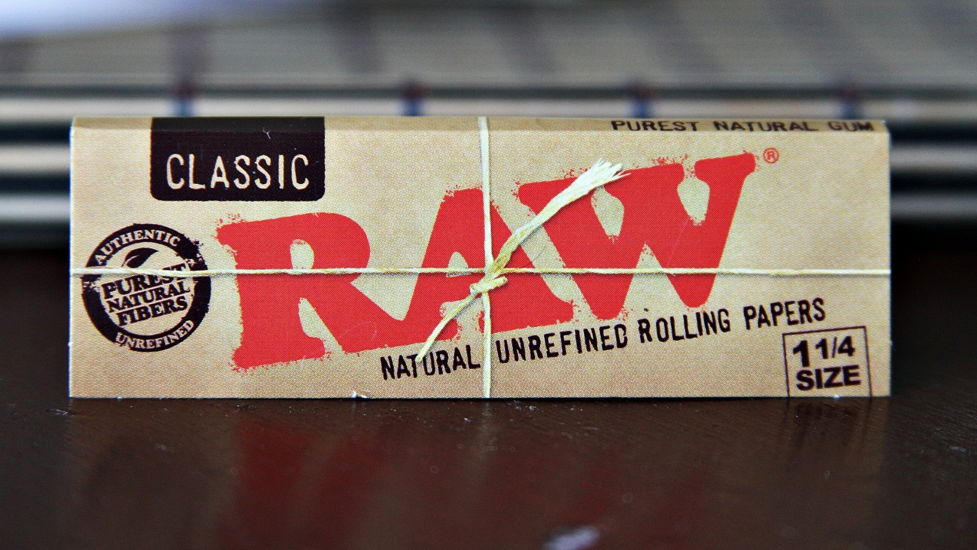 "1 1/4"" Size Rolling Papers - 50 Leaves"