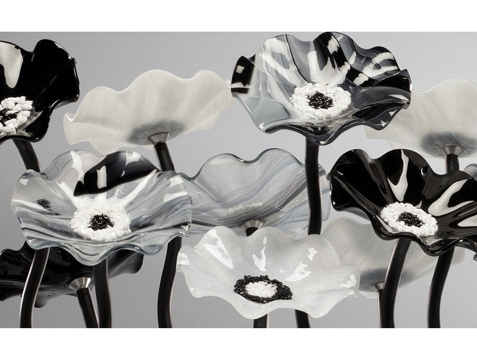 Load image into Gallery viewer, 9 flower Black and White - Glass Flowers by Scott Johnson