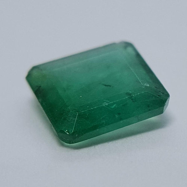 Emerald - 0.94ct Modified Emerald Gemstone - Spada Diamonds