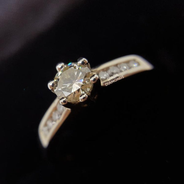 9 karat white gold six claw diamond engagement ring with side diamonds
