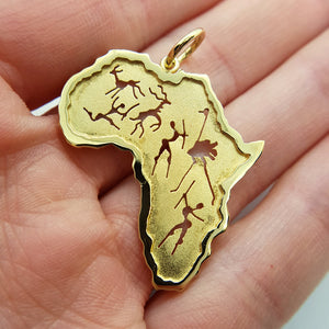 18 karat yellow gold Africa Pendant with rock art