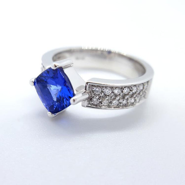 18kt White Gold Tanzanite and Diamond Ring - Spada Diamonds