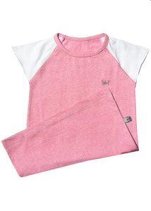 Pink long t-shirt, 100% cotton. White sleeves with raw edges for more comfort, round neck. It´s a super cool basic, very easy to wear, the perfect pijamas with our gray undies. Crown embroidery on the front.