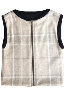 Italian wool vest completely lined, very minimalist, wide armholes. Super trendy and high quality. Unisex.