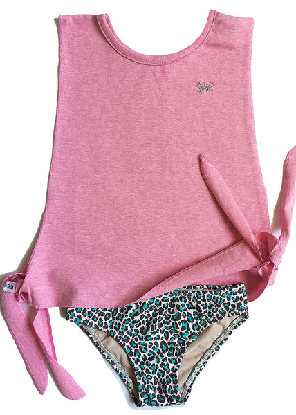 Very stylish pink animal print swimsuit for girls. Completely lined, easy and soft. It's a must combined with the pink beach tank-top.