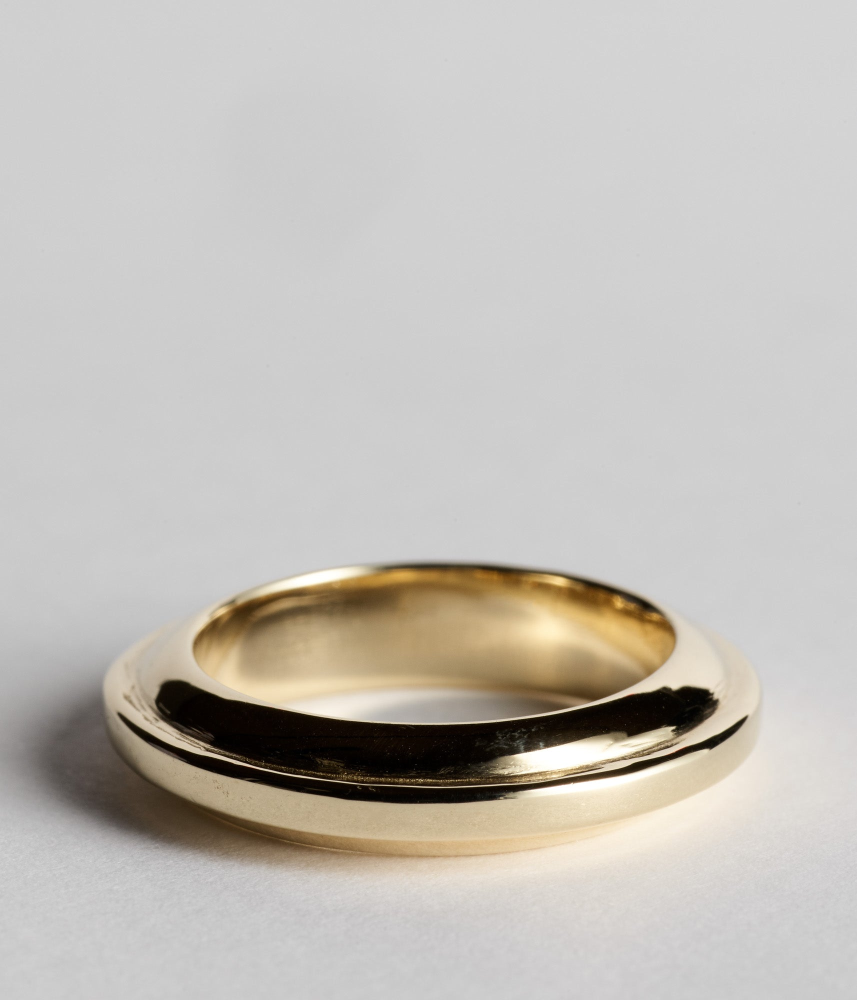 Mirrored Ovolo Ring  - Yellow Gold