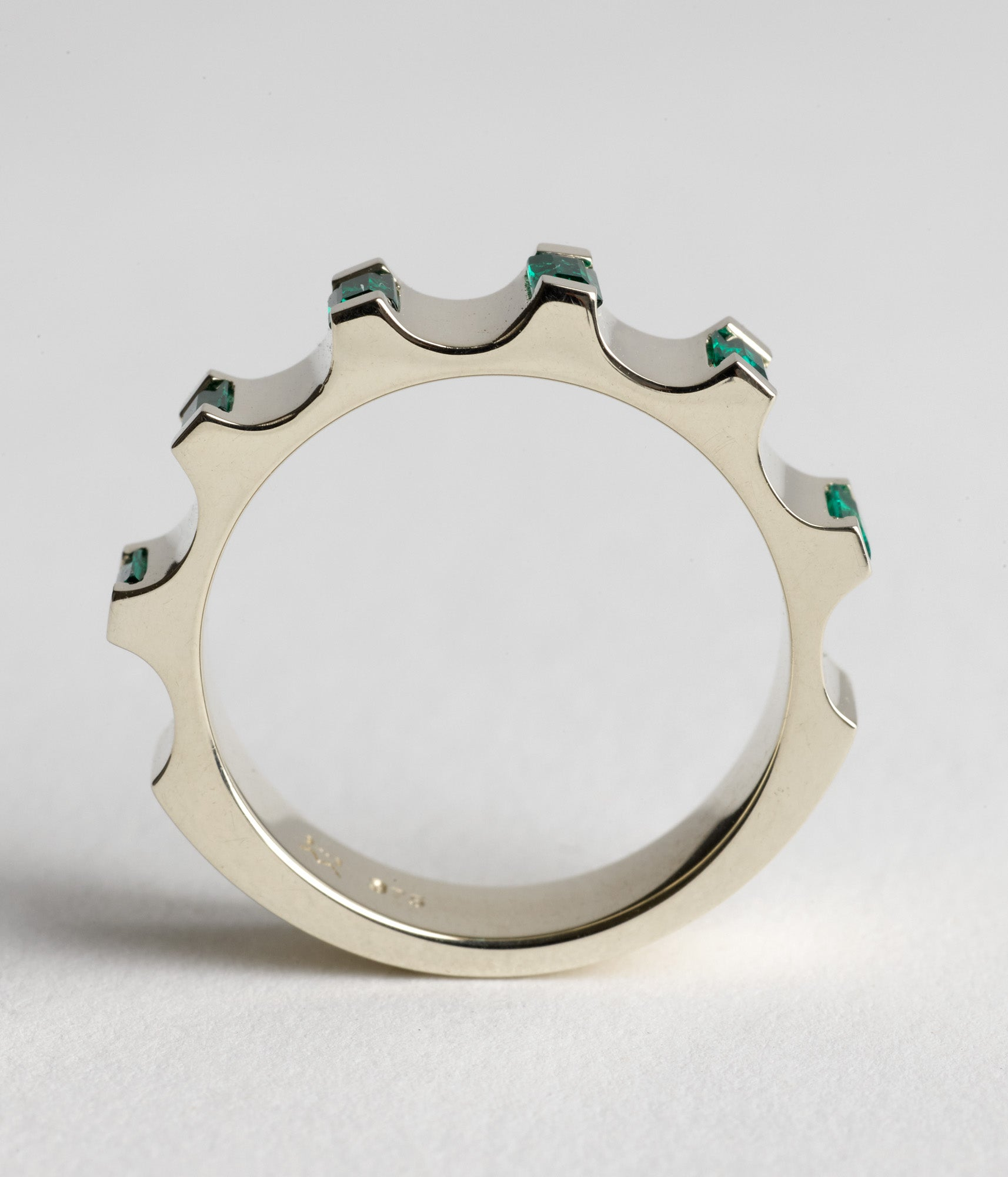 Parmentier ring - Emeralds & 9ct white gold