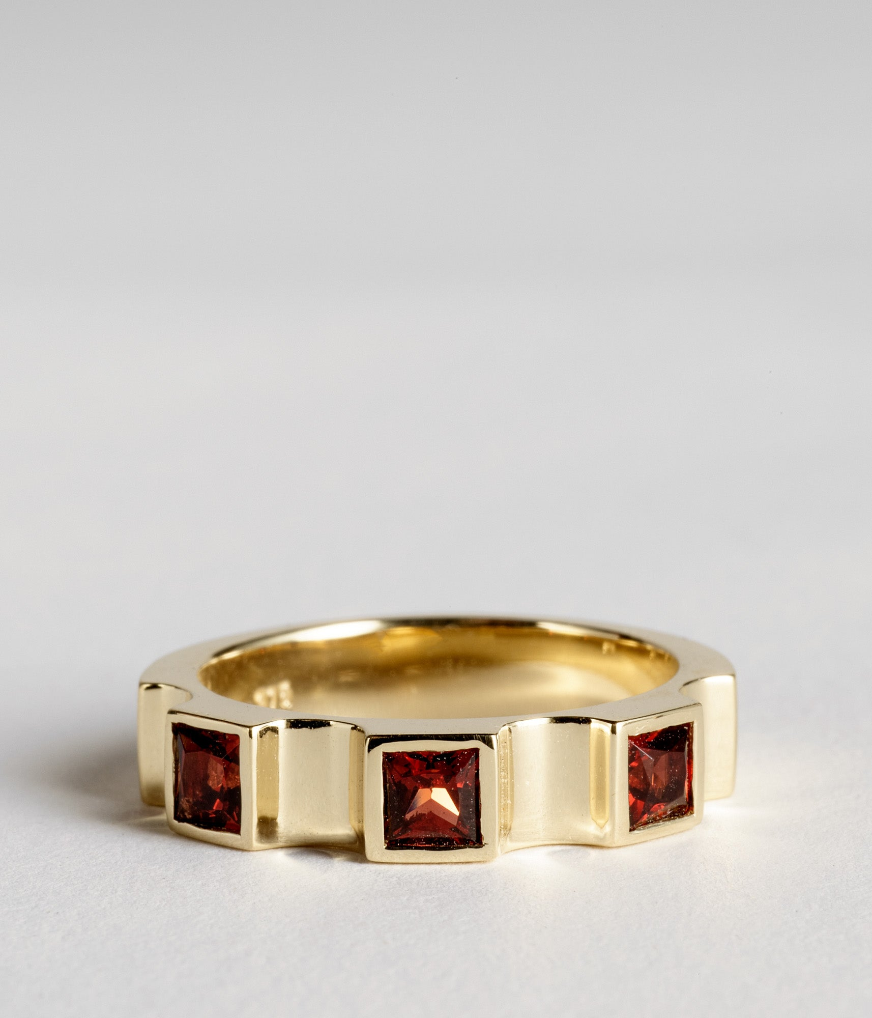 Parmentier window ring - Almandine Garnet