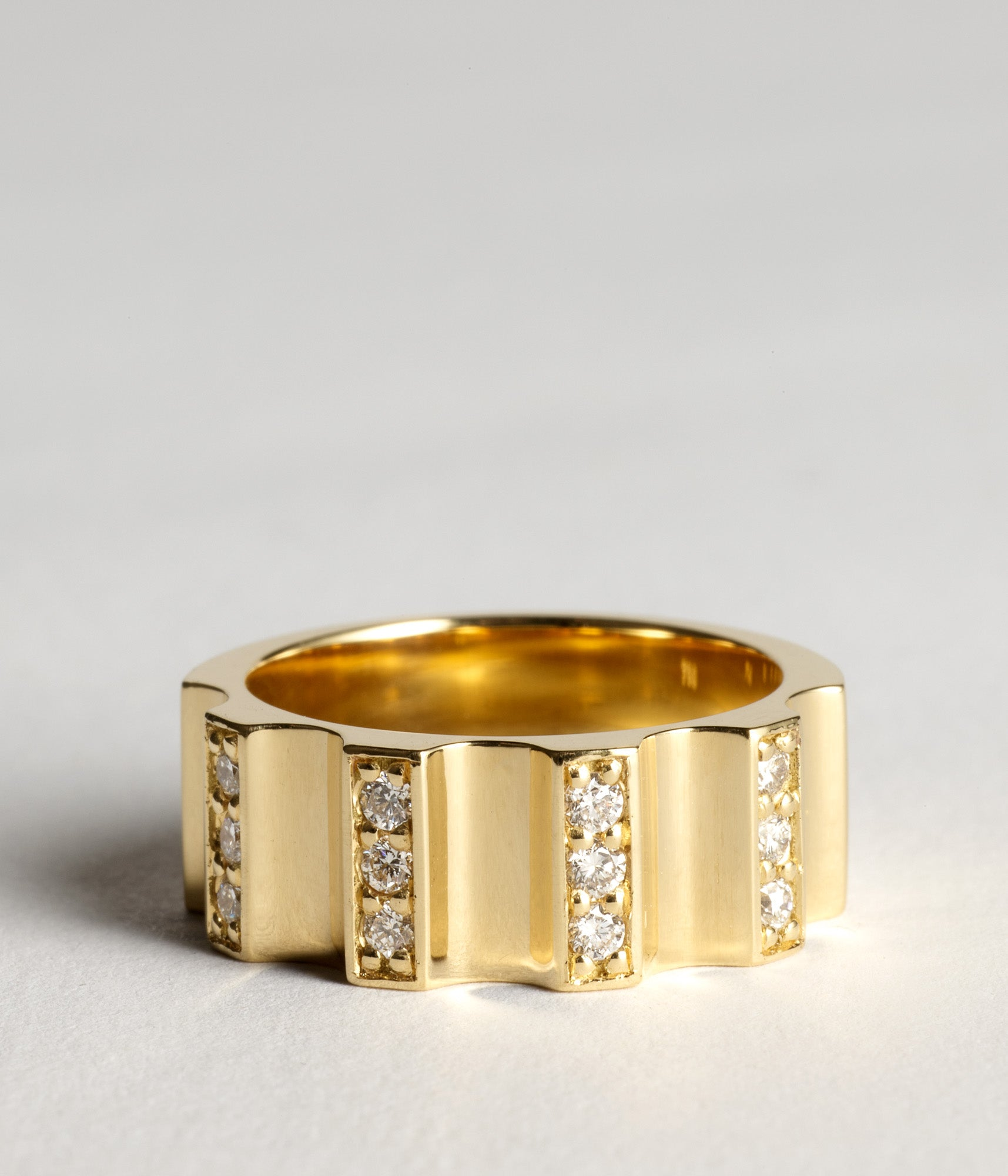 The pave Parmentier Ring