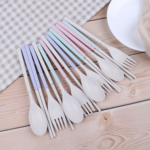 Wheat straw cutlery in all colors assembled