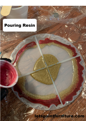 pouring resin into silicone resin geode agate coaster mold epoxy