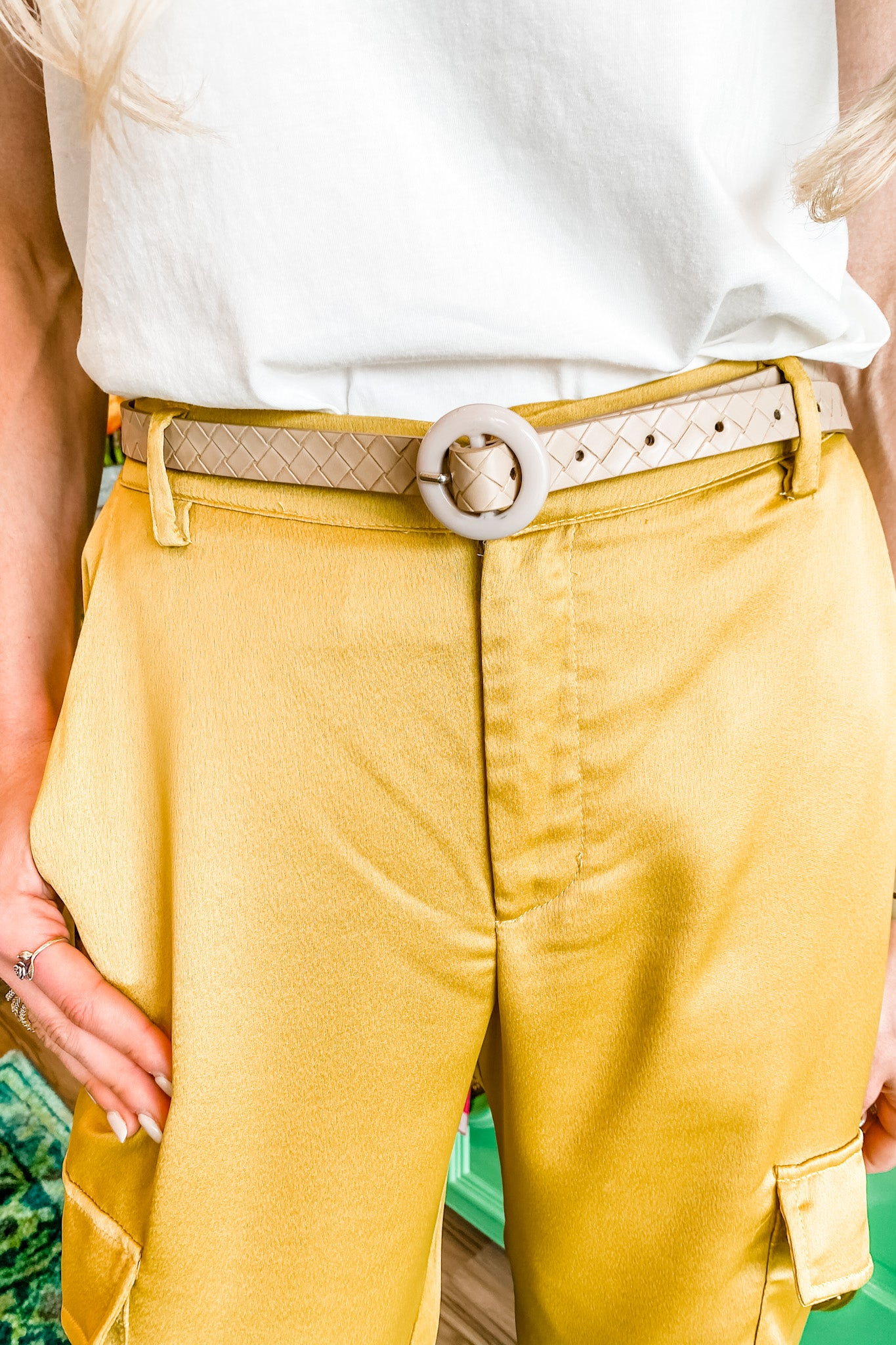 Beige Pattern Belt w/ Round Buckle