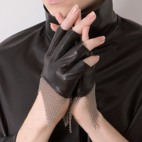 Cropped Chain Mesh Gloves