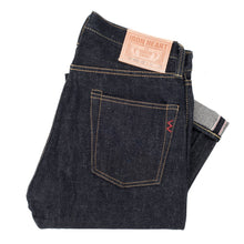 Load image into Gallery viewer, Iron Heart denim, IH-555-02, 18oz Japanese selvedge jeans, raw heavyweight, made in Japan, Aitora Spain