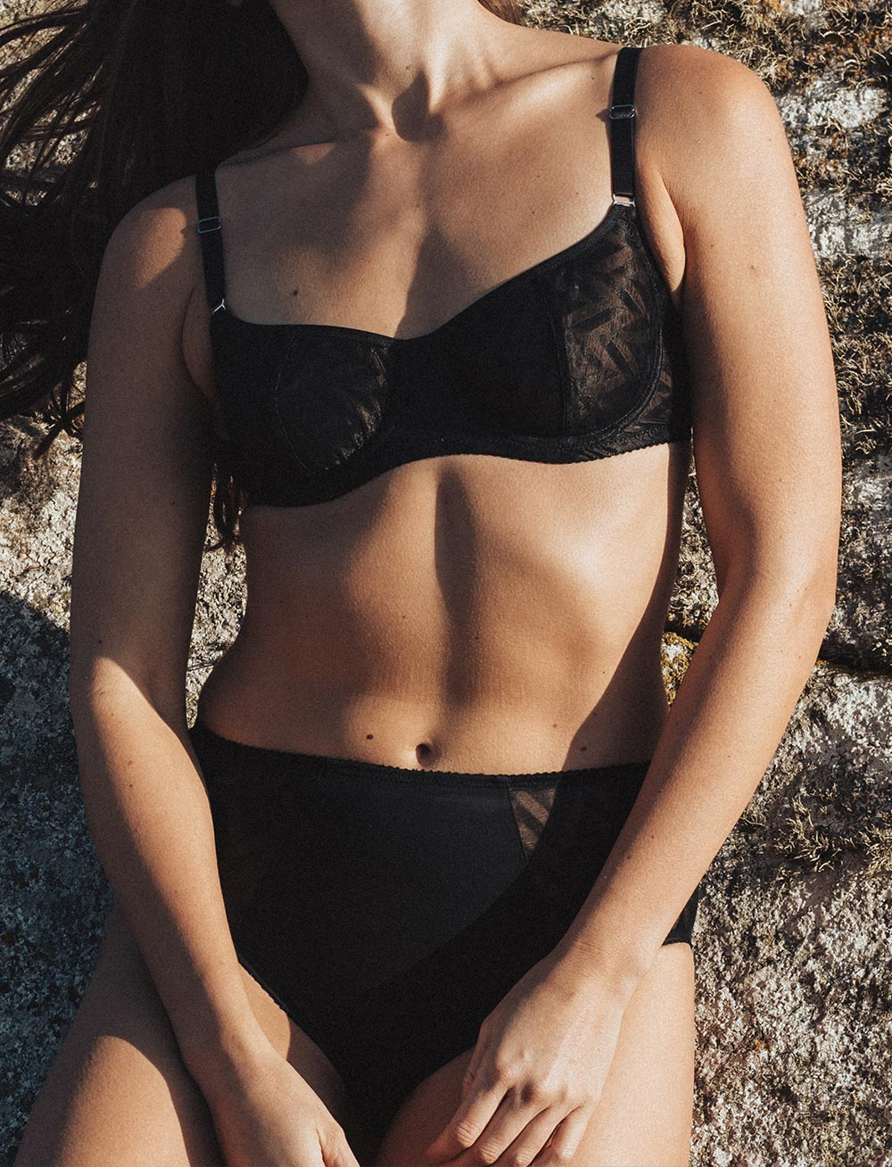 Vega Demi Bra (Black)