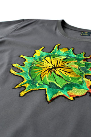 Independent fashion Sunrise embroidered T-shirt