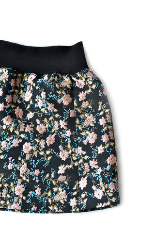 Independent fashion winter blossom skirt