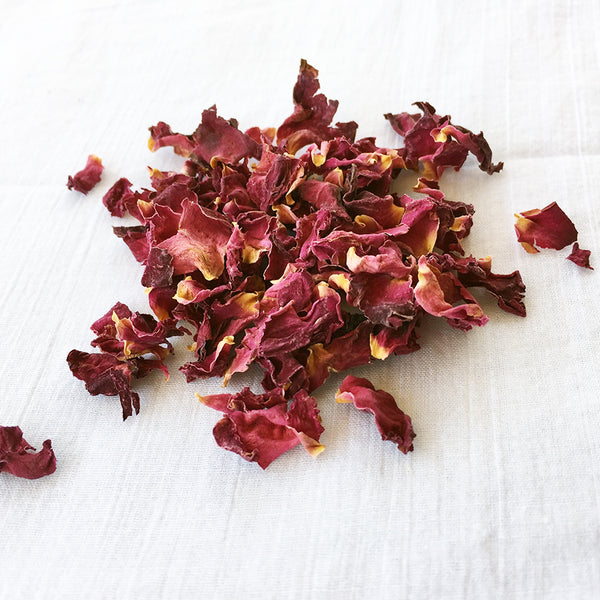 tea in the rose garden - pure rose tisane