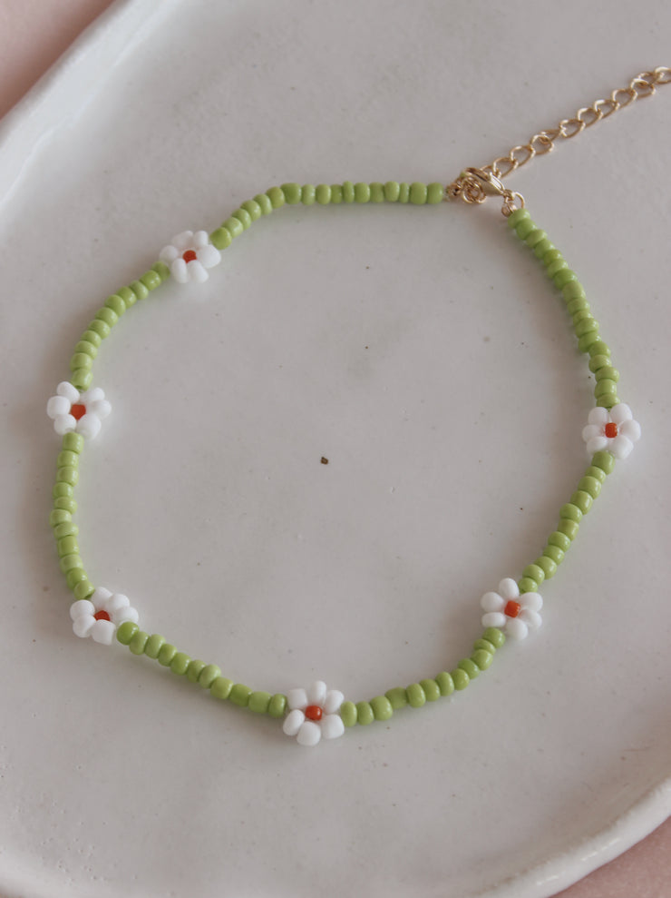 Green Daisy Necklace