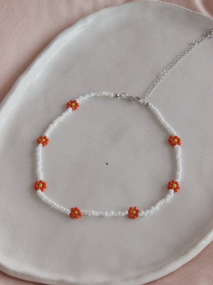 White Peach Daisy Necklace