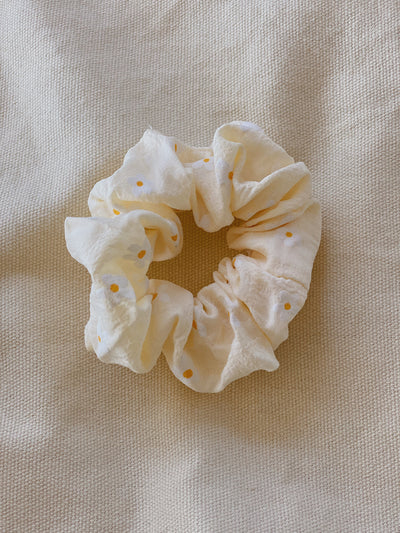 Cream Daisy Scrunchie