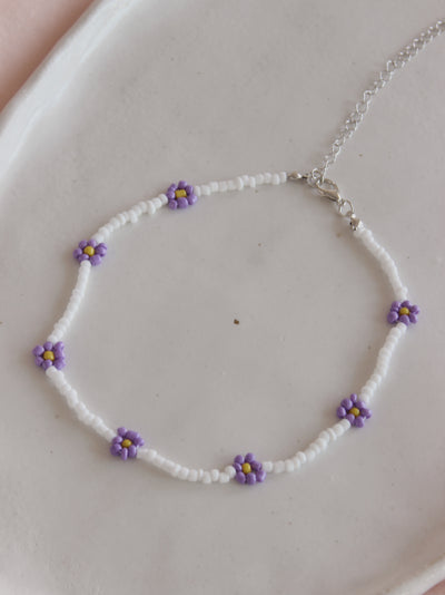 White Lilac Daisy Necklace