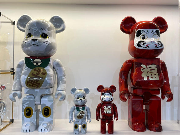 Be@rbrick x BAPE (R) Maneki Neko Lucky Cat & Daruma 1000% Set