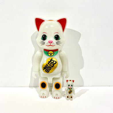 Be@rbrick Lucky Cat Glow in the Dark 2 400%
