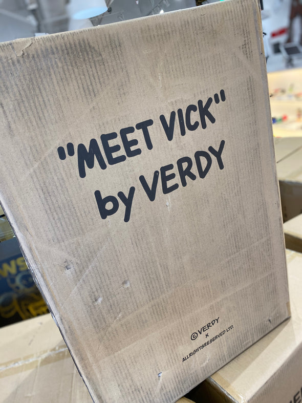 Vick Girls Don't Cry Lamp by Verdy !