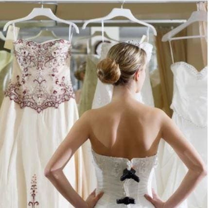 Top tips on how to shop for your wedding dress in Cape Town