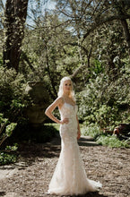 Load image into Gallery viewer, ANTHEA - Wedding Dress Molteno