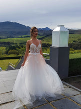 Load image into Gallery viewer, EROS - Wedding Dress Molteno