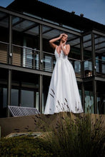Load image into Gallery viewer, GRACE - Wedding Dress Molteno