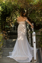 Load image into Gallery viewer, RAINE - Wedding Dress Molteno