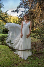 Load image into Gallery viewer, SASHA - Wedding Dress Molteno